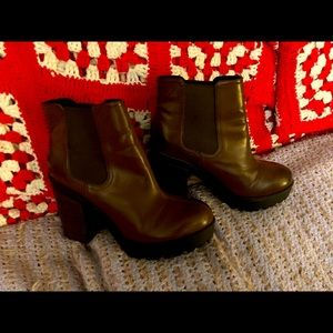 Brown platform boots! Never worn no tags.